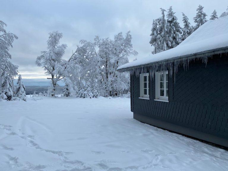 Asten-Lodge im Winter 1