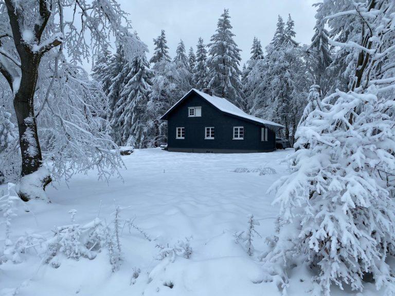 Asten-Lodge im Winter